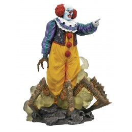 DIAMOND SELECT IT 1990 GALLERY PENNYWISE GALLERY FIGURE STATUE