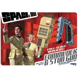 MPC SPACE SPAZIO 1999 COMMLOCK AND STUN GUN REPLICA MODEL KIT