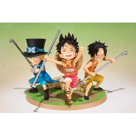 ONE PIECE FIGUARTS ZERO - LUFFY ACE SABO FIGURE