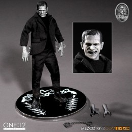 UNIVERSAL MONSTERS - FRANKENSTEIN MONSTER CLOTH ONE:12 ACTION FIGURE