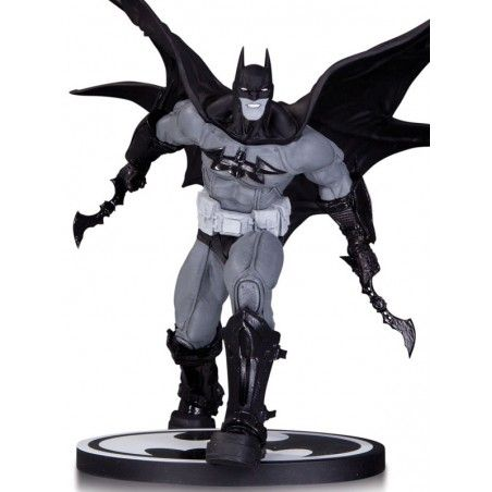 BATMAN BLACK AND WHITE - BATMAN BY CARLOS D'ANDA STATUE