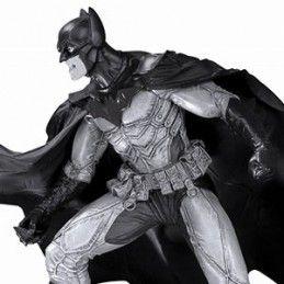 BATMAN BLACK & WHITE - BATMAN BY LEE BERMEJO STATUE