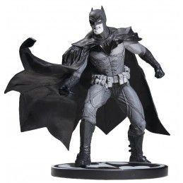 DC COLLECTIBLES BATMAN BLACK AND WHITE - BATMAN BY LEE BERMEJO STATUE 2nd ED.