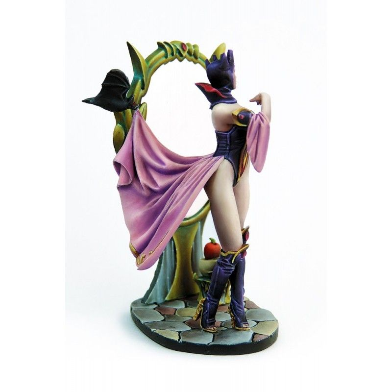 KABUKI EVIL QUEEN RESIN FIGURE MINI STATUE MODEL KIT