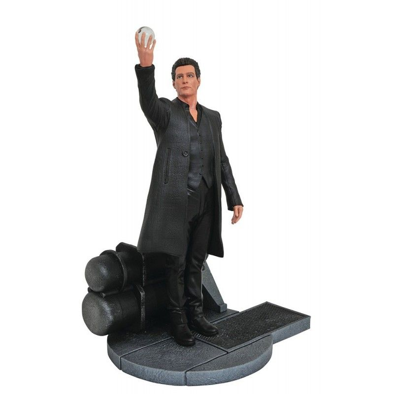 DIAMOND SELECT DARK TOWER GALLERY - MAN IN BLACK 25CM PVC FIGURE STATUE