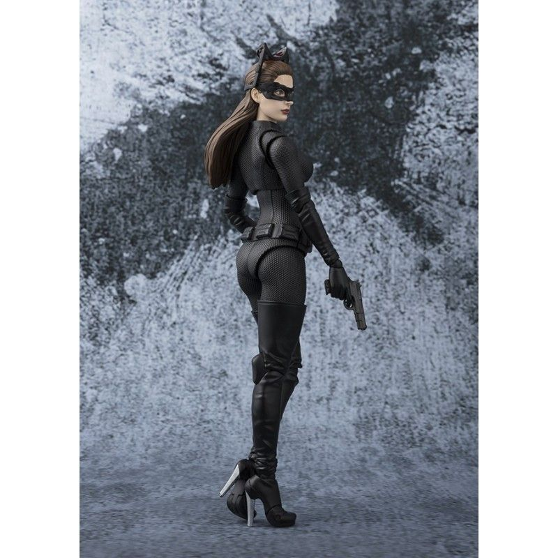 THE DARK KNIGHT CATWOMAN S.H. FIGUARTS ACTION FIGURE BANDAI