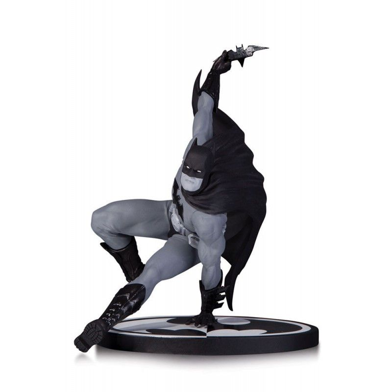 DC COMICS DIRECT BATMAN BLACK AND WHITE BY BRYAN HITCH STATUE DC COLLECTIBLES