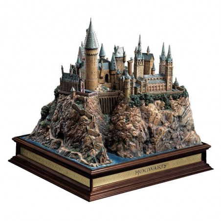 HARRY POTTER HOGWARTS SCHOOL DIORAMA 33CM FIGURE