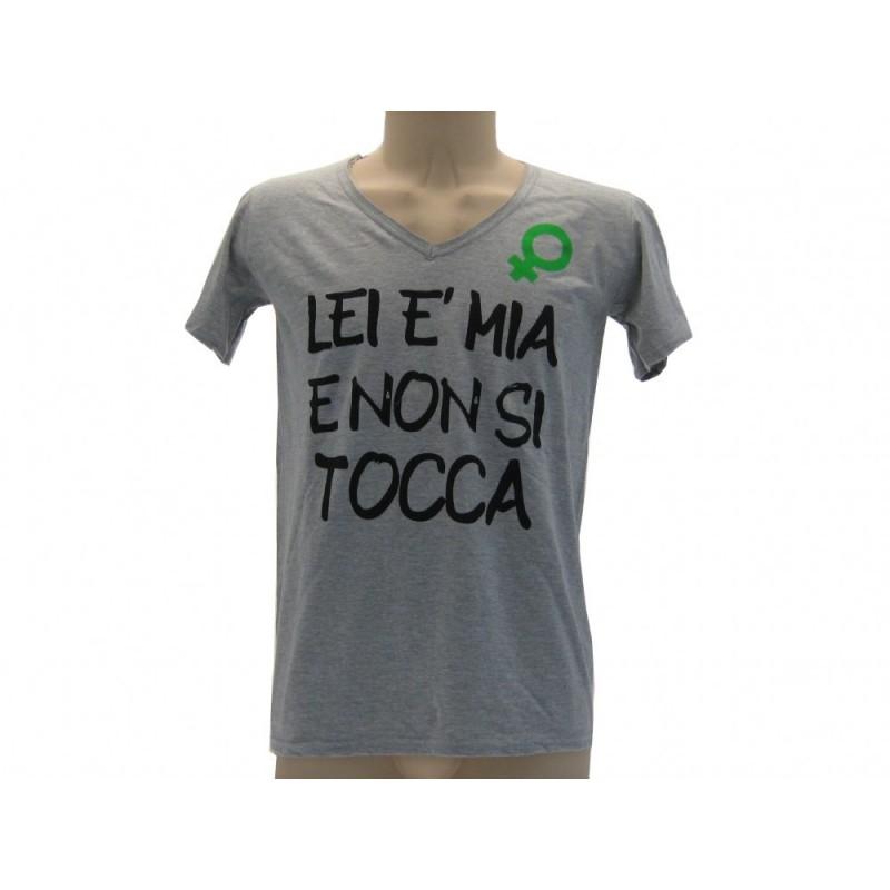 MAGLIA T SHIRT SOLO PAROLE LEI E' MIA E NON SI TOCCA GRIGIA