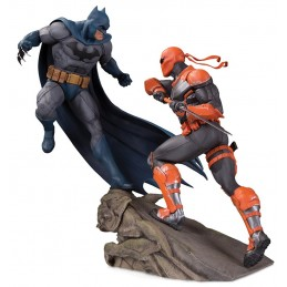 BATMAN VS DEATHSTROKE BATLLE STATUA IN RESINA 30 CM FIGURE