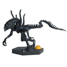 THE ALIEN AND PREDATOR FIGURINE COLLECTION POWER PLANT XENOMORPH (AVP REQUIEM) FIGURE EAGLEMOSS