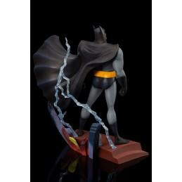 BATMAN THE ANIMATED SERIES - BATMAN ROOFTOP ARTFX+ STATUE FIGURE
