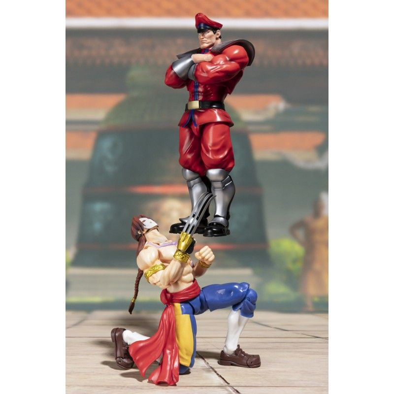 STREET FIGHTER MISTER BISON S.H. FIGUARTS ACTION FIGURE BANDAI