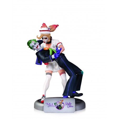 BOMBSHELLS JOKER AND HARLEY QUINN STATUE ACTION FIGURE