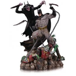 DC COLLECTIBLES DC COMICS BATTLE STATUE - BATMAN WHO LAUGHS VS BATMAN 33CM FIGURE STATUE