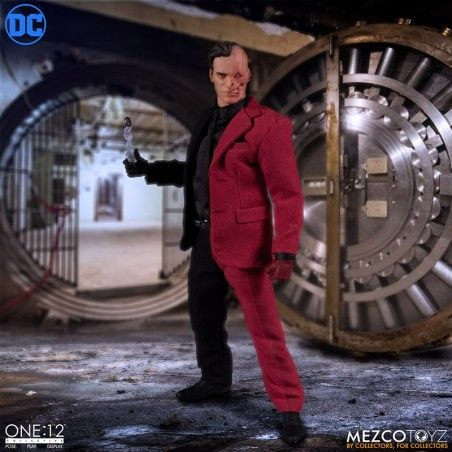 BATMAN - TWO FACE ONE:12 COLLECTIVE ACTION FIGURE