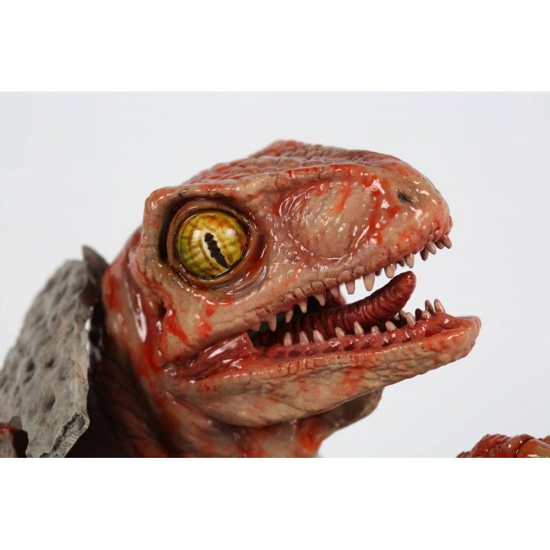 JURASSIC PARK - RAPTOR HATCHLING 1/1 STATUE 28CM RESIN FIGURE CHRONICLE COLLECTIBLES