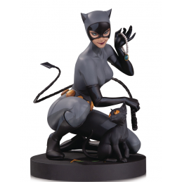 DC DESIGNERS SERIES - CATWOMAN BY LAU 17CM RESIN STATUE FIGURE DC COLLECTIBLES