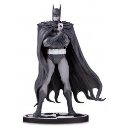 BATMAN BLACK AND WHITE BOLLAND 20CM RESIN STATUE FIGURE DC COLLECTIBLES