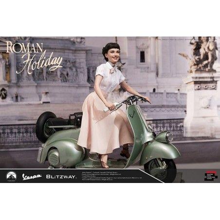 VACANZE ROMANE (ROMAN HOLIDAY) - PRINCESS ANN AND VESPA 125 REPLICA 45X50 CM STATUE FIGURE