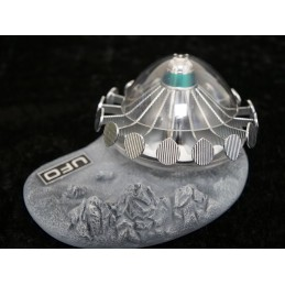 UFO ALIEN SAUCER WITH LUNAR DISPLAY BASE FIGURE REPLICA SIXTEEN 12